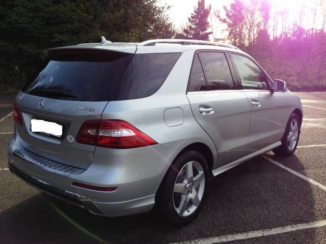 lhd car MERCEDES ML CLASS (03/2012) - IRIDIUM SILVER METALLIC - lieu: